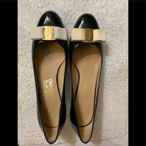Ferragamo Vera bow pump shoes